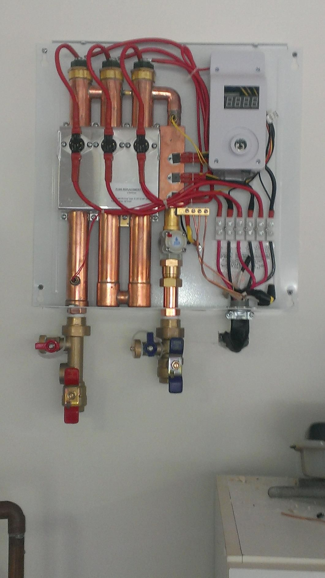 Best Electric Tankless Water Heater Reviews In 2020 Tankless Water Heater Water Heater Water Heating Systems