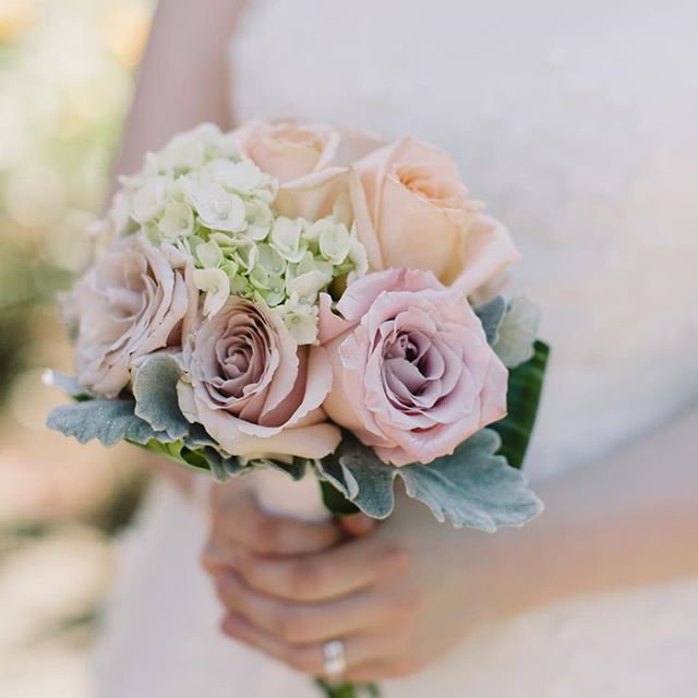 Vancouver Wedding Flowers: Great Vancouver Wedding Soft Blush And Peach Flowers? Yes