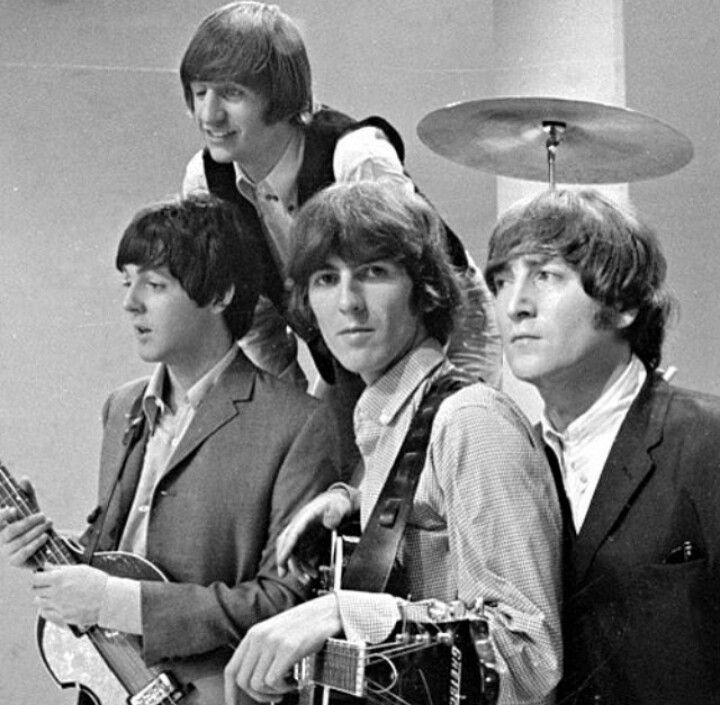 Interesting... George is the only one looking at the camera here.