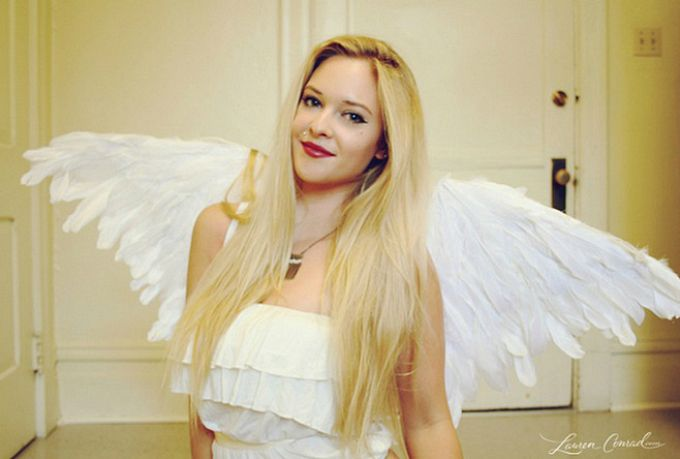 53 Clever Feather Craft Ideas Best Angel wings costume, Feathers - angel halloween costume ideas