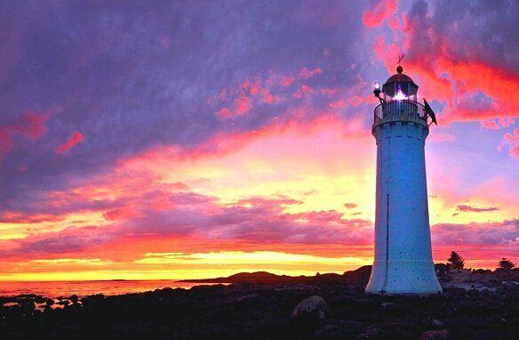 PORT FAIRY LIGHTHOUSE!! #portfairy #portfairypics #portfairylighthouse #sunset #victoria #australia #australiancoast #ontheroad #theworldinyourphone #worldgi #mundogi #beautifulworldgi #instagram #instapic #colours #show #amazing #relaxtime #beach #sea #summertime #amazingplace by world_gi