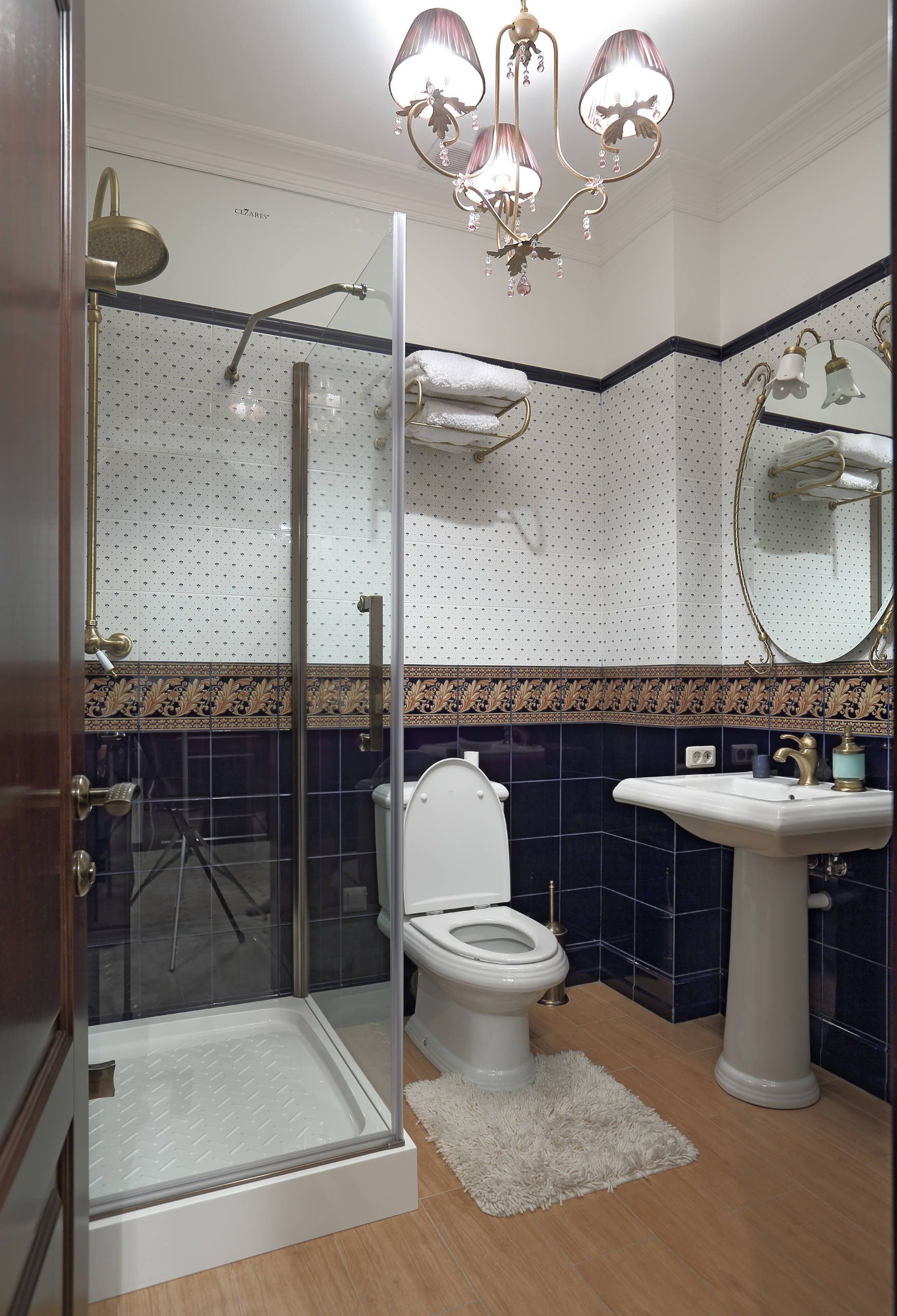 100 современных идей дизайна: душевые кабины в ванной на ...