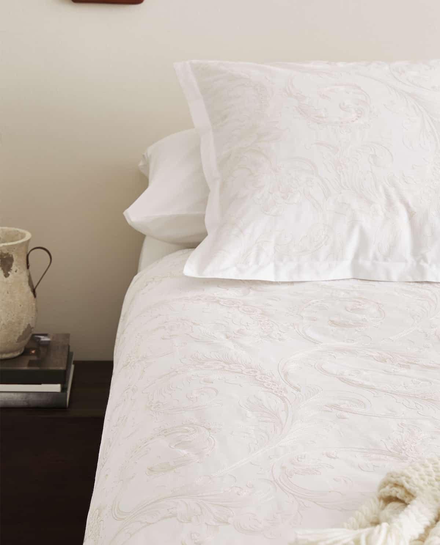 Housse De Couette Brodee En 2020 Housse De Couette Couette Bed Linen