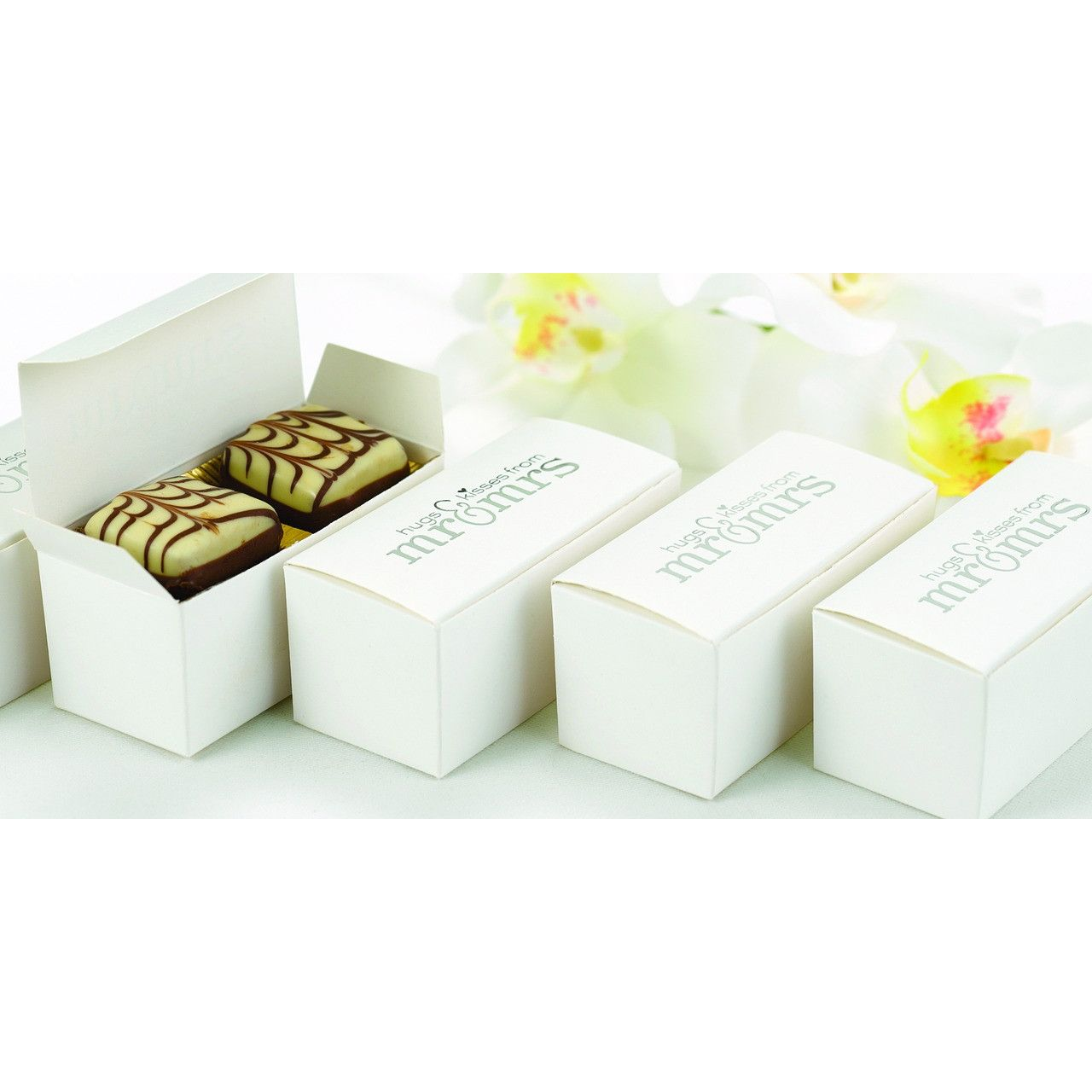 Mr and Mrs White and Silver Foil Wedding Party Favor Boxes (Pack of ...