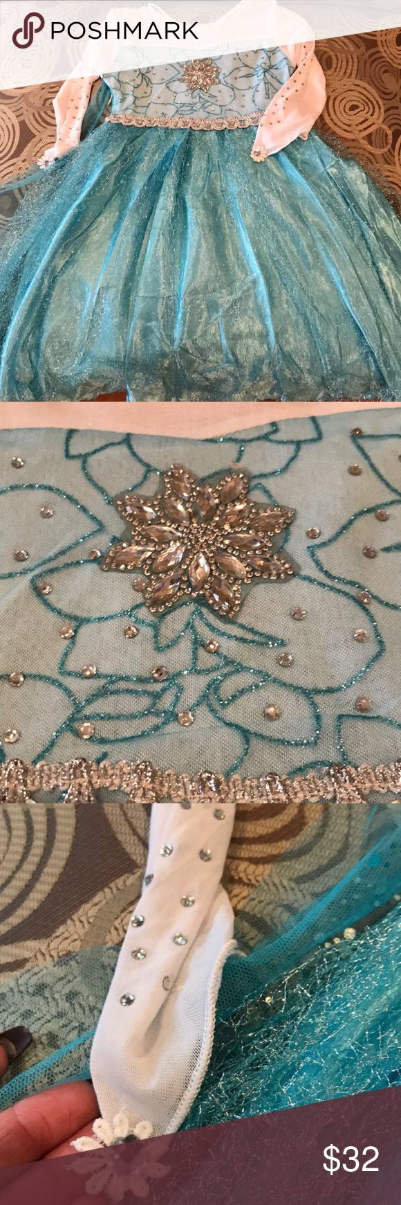 Frozen Gorgeous dress! Elsa dress in excellent condition. Soooo gorgeous in person. Embellishments throughout. Costumes