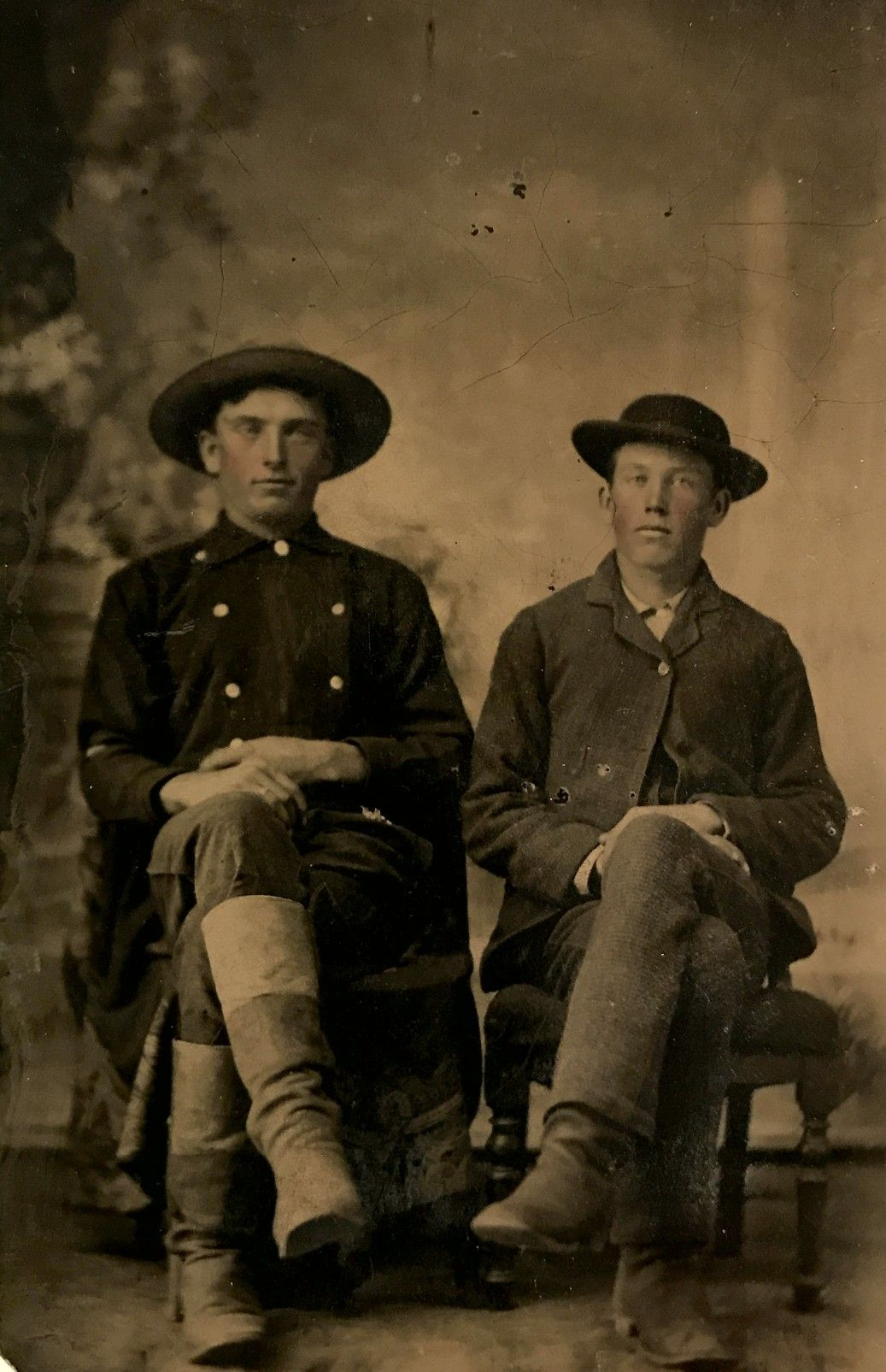 Frank James On The Left Brother Jesse James Right From A 1 6 Plate Tintype Original Image From The Collection Of Jesse James Old West Outlaws Famous Outlaws