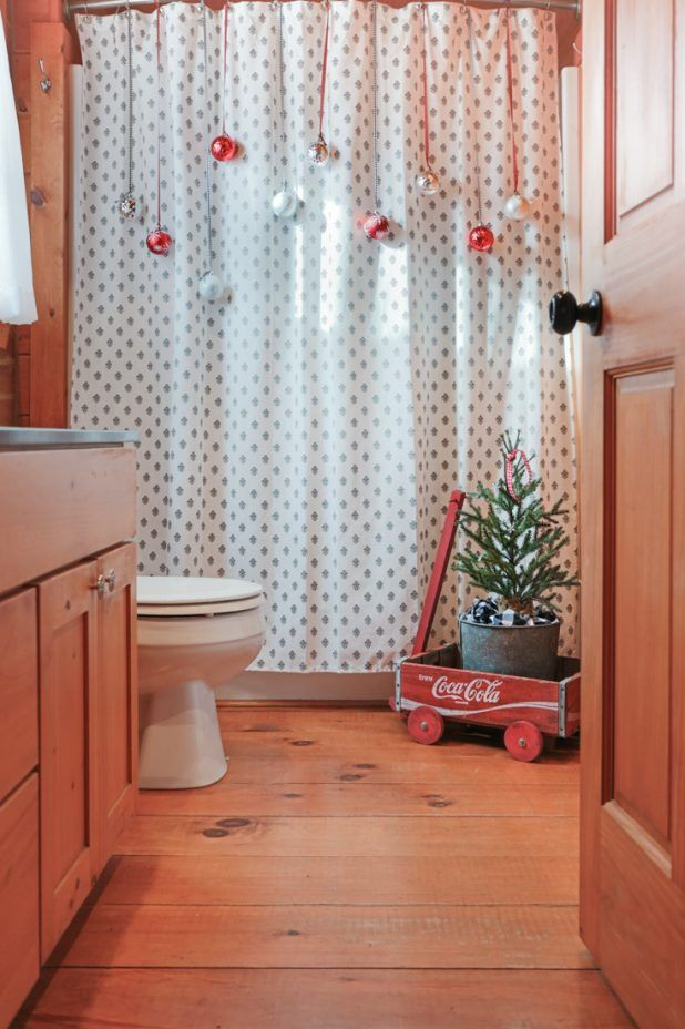 Inexpensive Christmas Bathroom Decorating | Decorating, Christmas ...