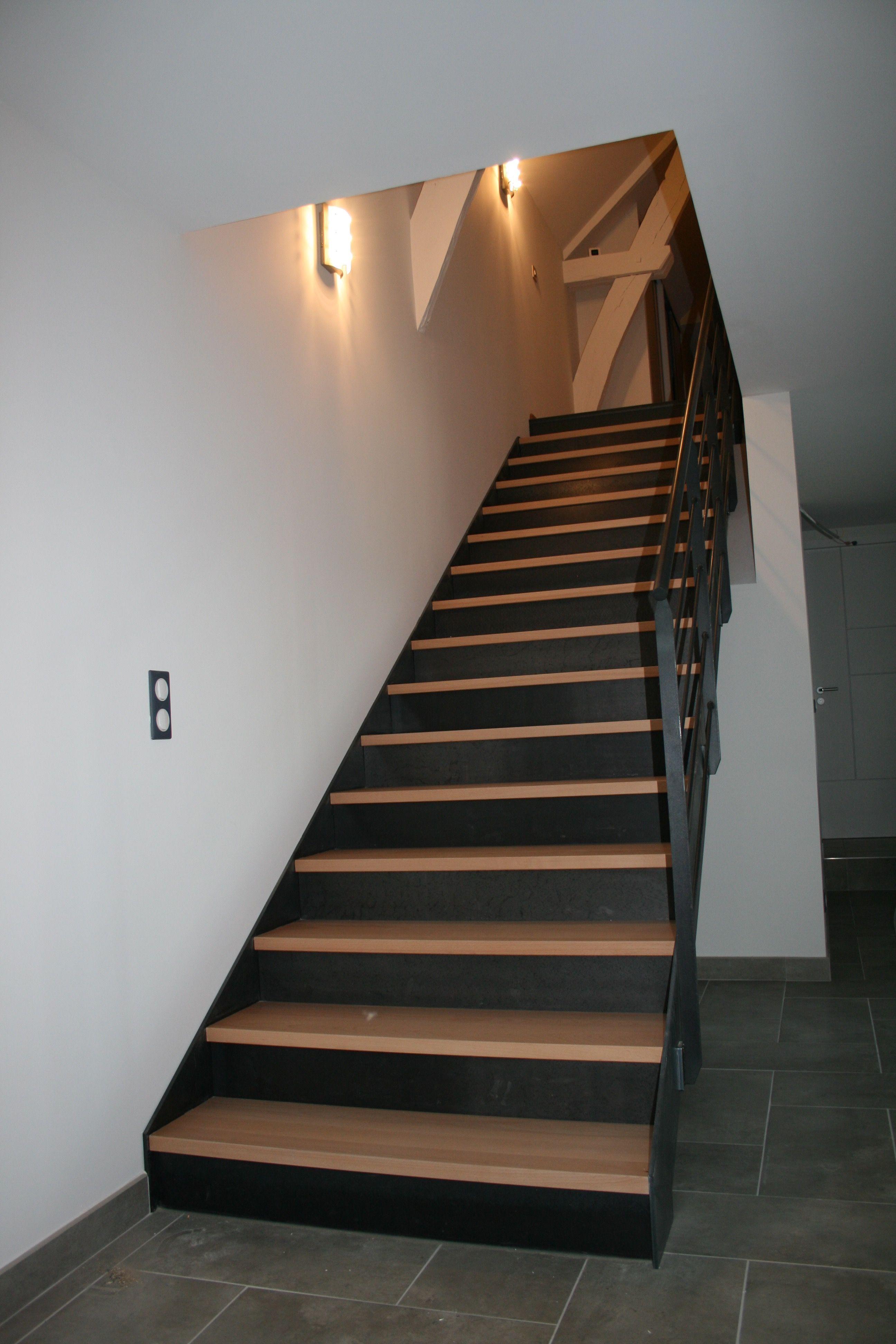 Escalier Droit Marches Bois Et Contremarches Acier Renovation Escalier Bois Escaliers Maison Habillage Escalier