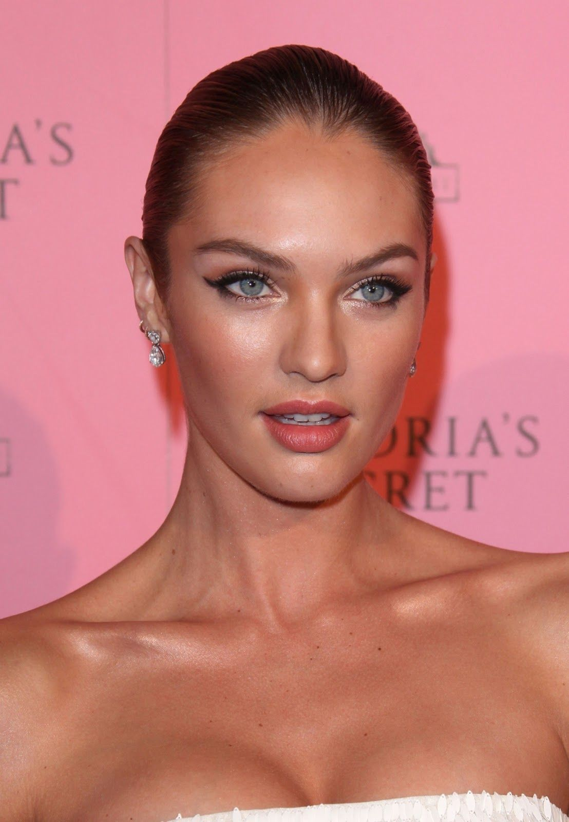 Candice Swanepoel (Victoria's Secret Swim party 2011