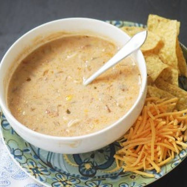 Trisha Yearwood's Chicken Tortilla Soup Recipe | Y