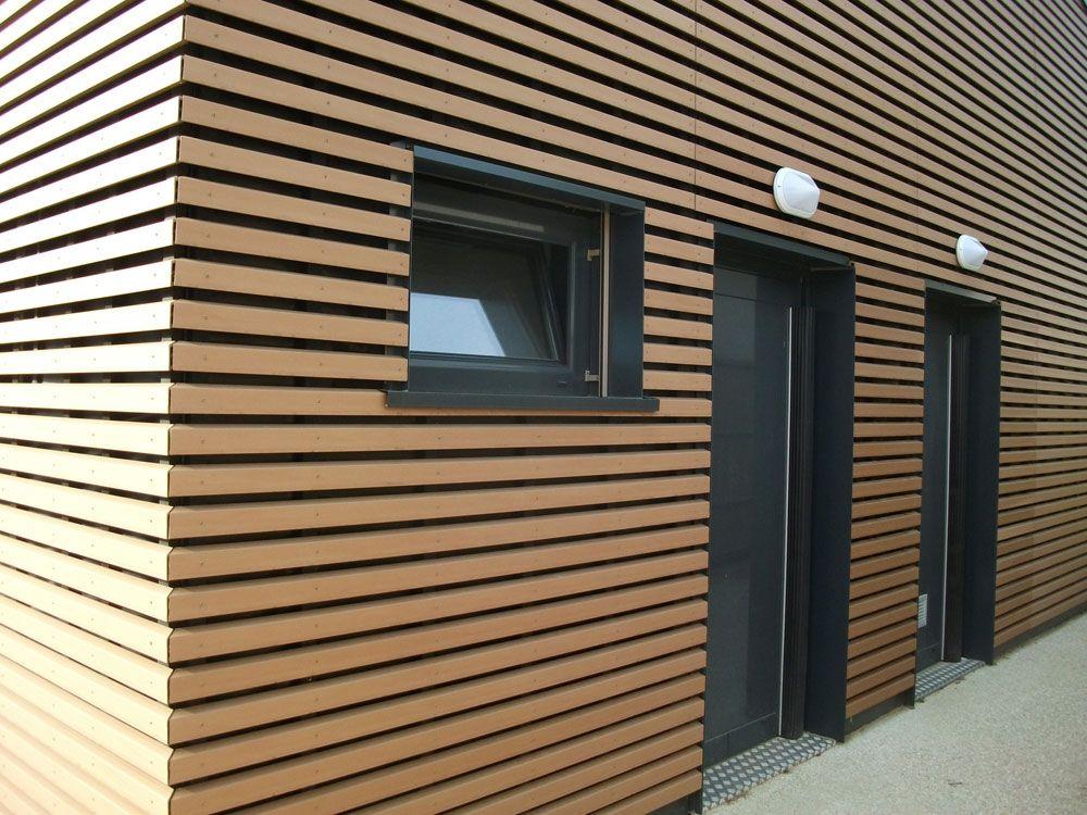Fassadenverkleidung Der Kindergrippe La Maison Bleue Saint Cyr Frankreich Silvadec Fassadenverkleidung Fassade Holzverkleidung Fassade