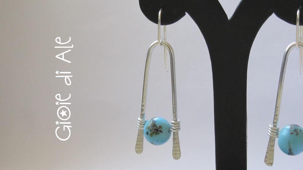 Realizzati da @alessandralacon  seguento il tutorial http://lc.pandahall.com/articles/762-cheap-personalized-jewelry-diy-wire-wishbone-pattern-earrings.html
