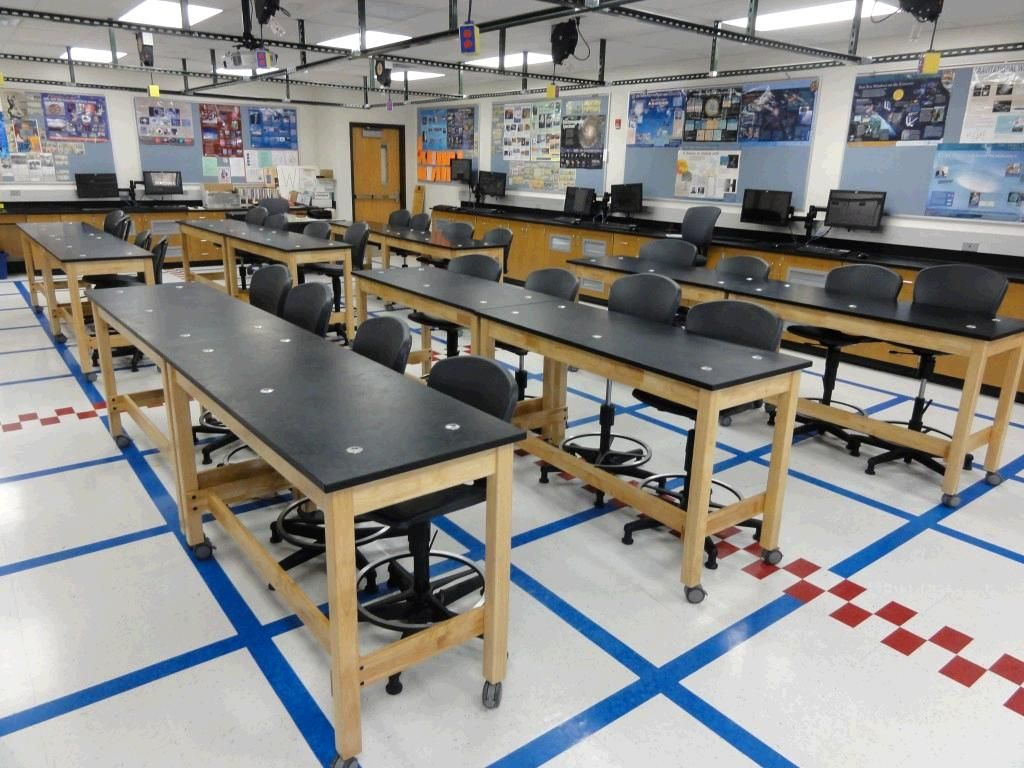 High Quality Fleetwood Furniture Student Tables And Built In Lab Stations