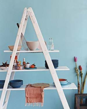 A Ladder Shelf -- I wonder if his could work as a 3-tiered buffet??????