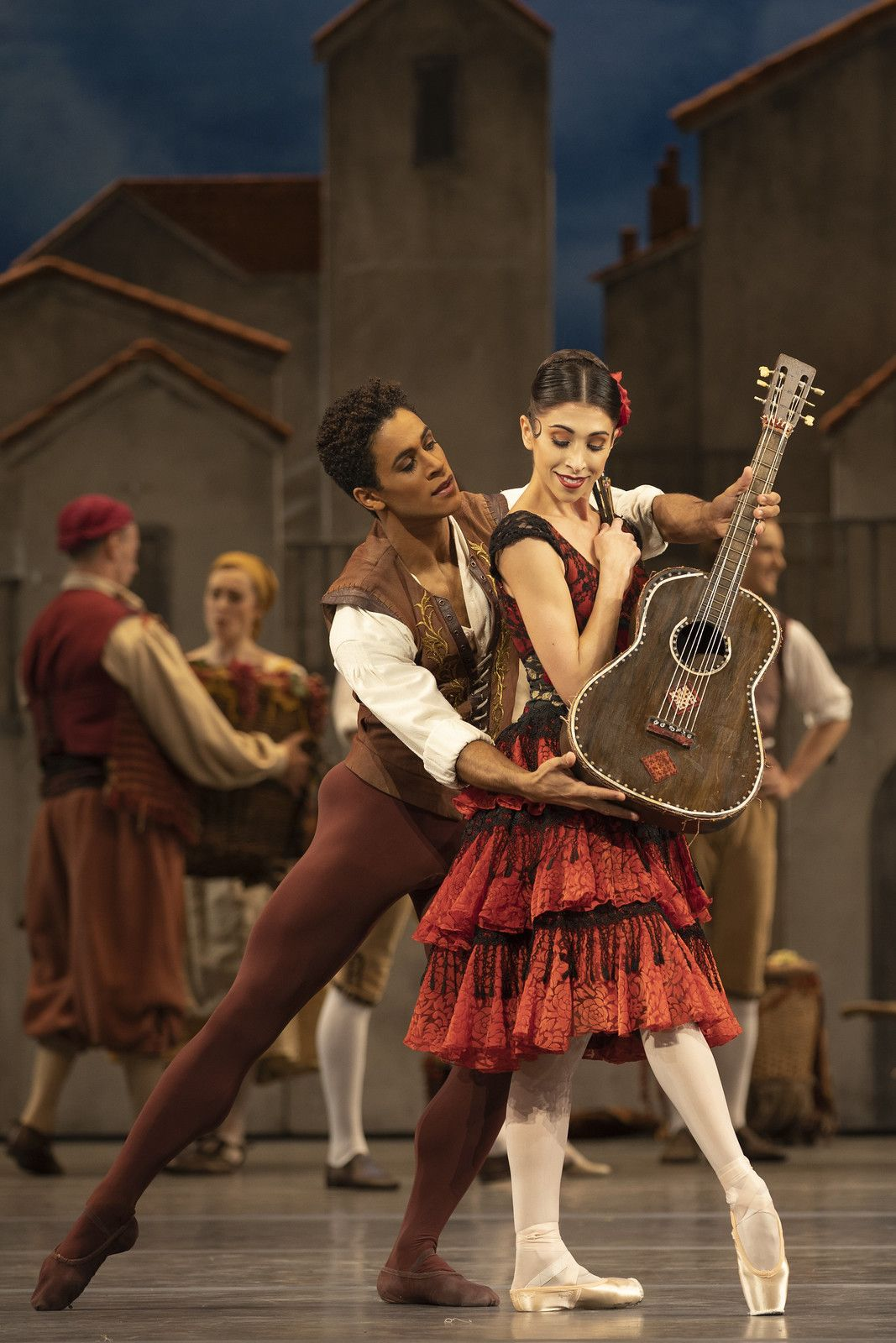 Marcelino Sambé and Yasmine Naghdi in Acosta's Don Quixote