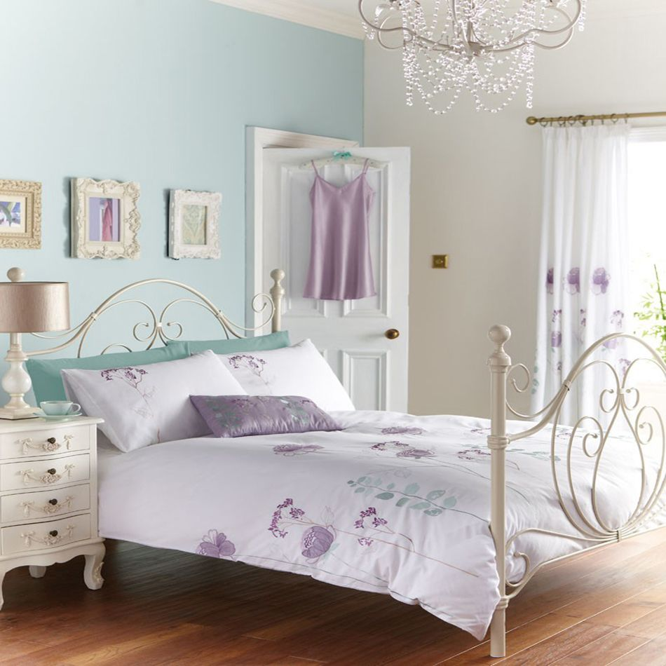 http://www.arnotts.ie/Product/First-Avenue-Ruth-Coordinated-Bedding-Purple/327087/400400200
