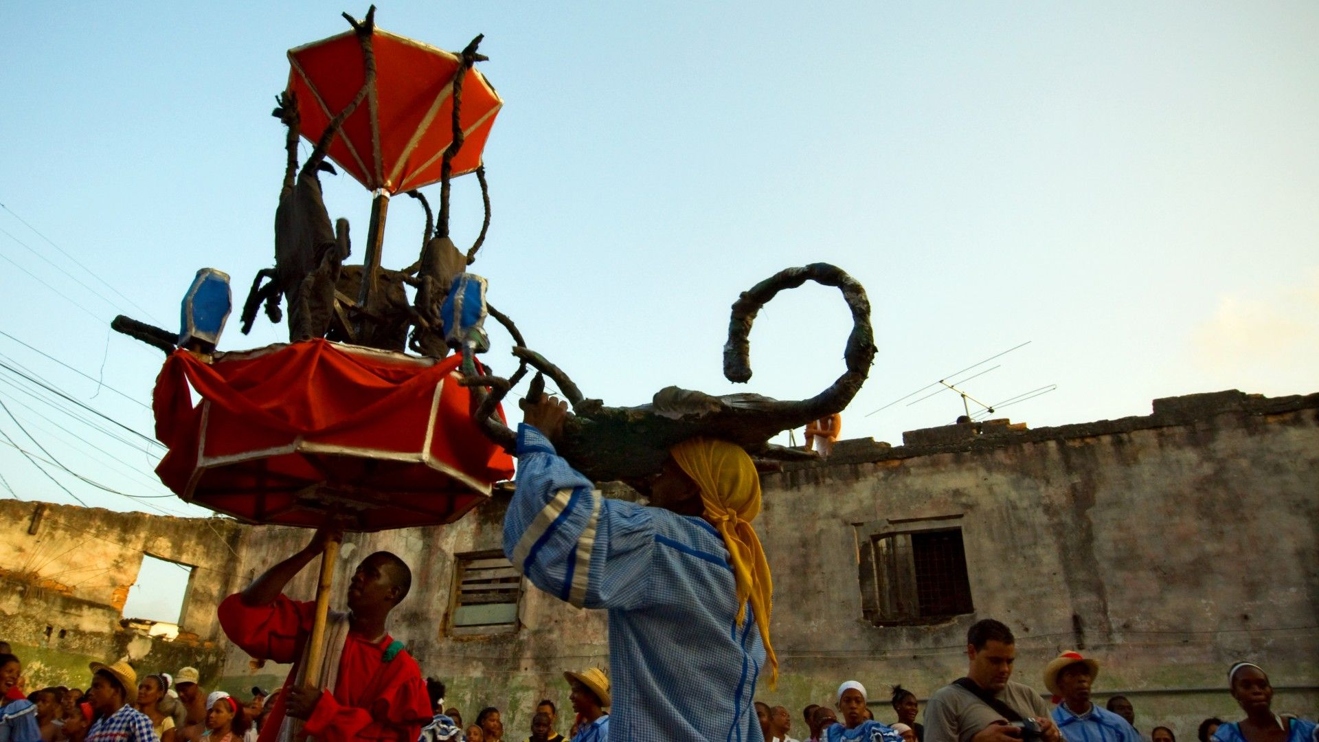 Religiones católica y yoruba, le contamos cómo ambas conviven en Cuba.