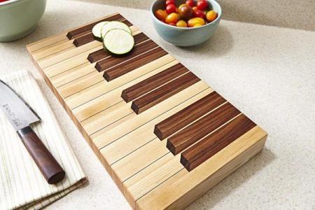 Keyboard Cutting Board Downloadable Plan | WOOD Magazine