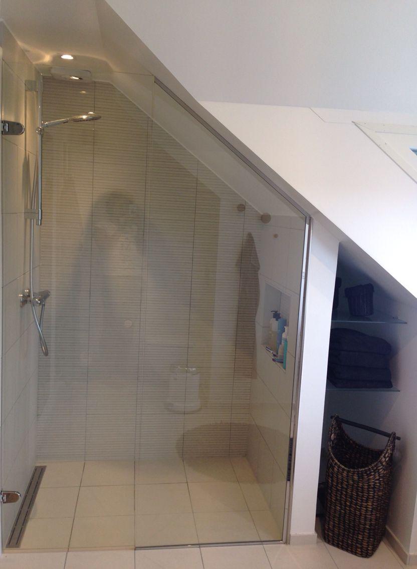 badeværelse skråvæg Sådan blev vores bad under skråvæggen | Homes | Pinterest  badeværelse skråvæg