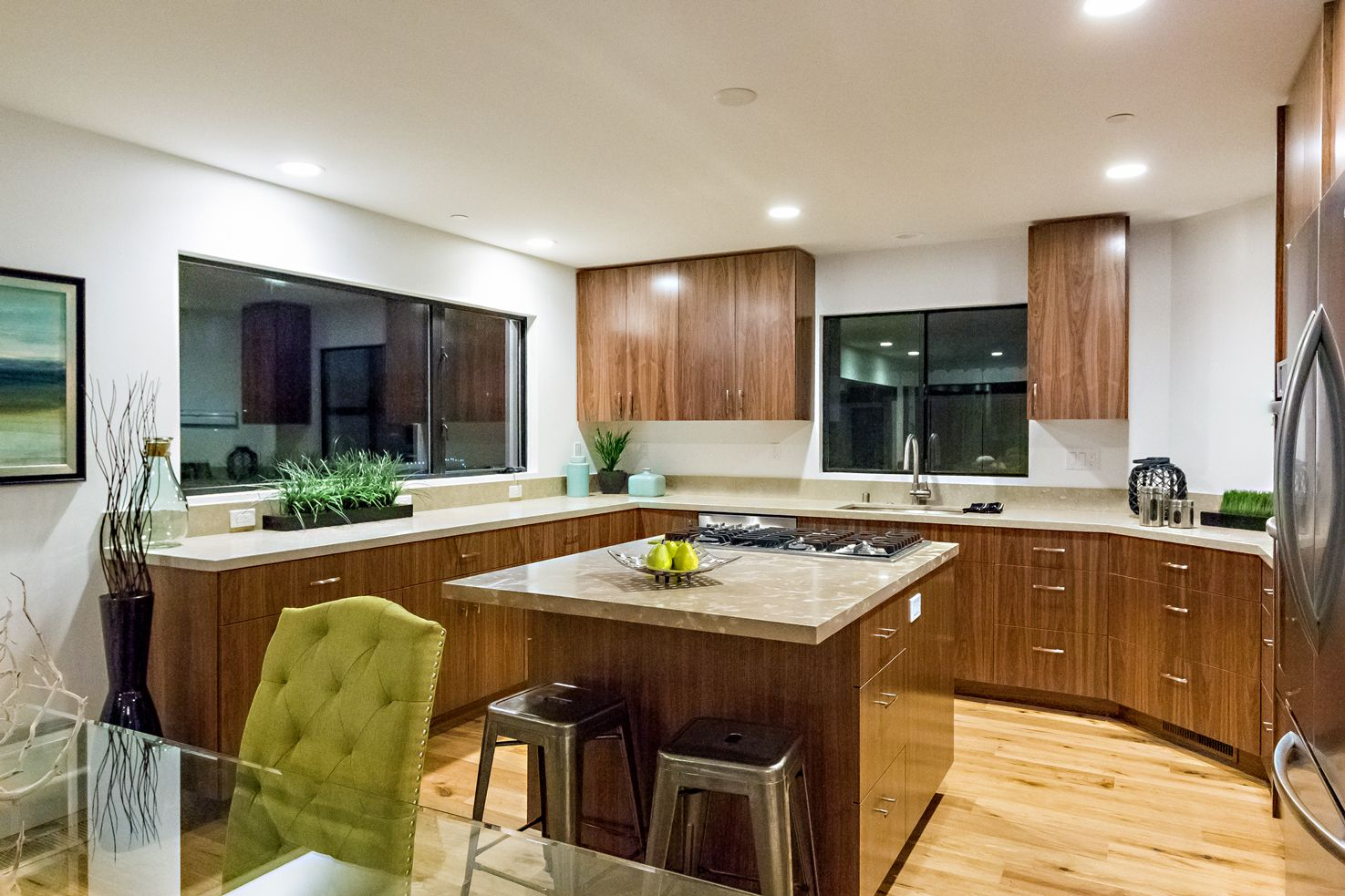Dining room and kitchen. | Kitchen, Kitchen cabinets ...