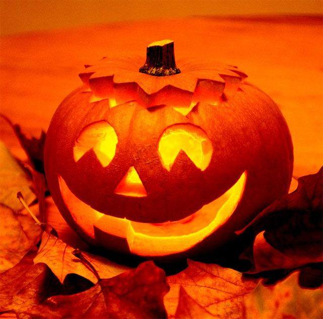 happy halloween halloween decor halloween k rbis. Black Bedroom Furniture Sets. Home Design Ideas