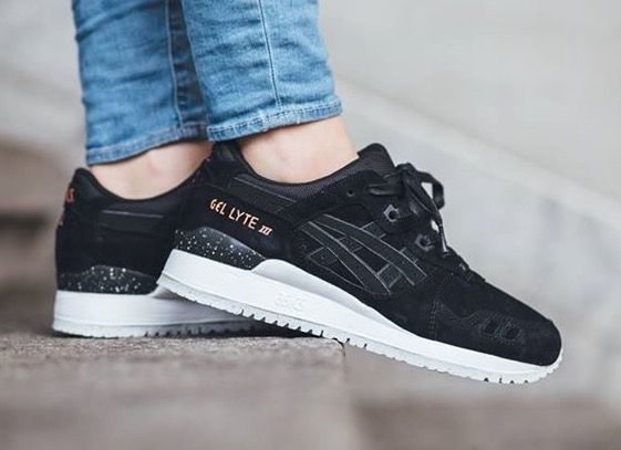 Asics Lifestyle Women's Gel-Lyte III Leather Trainers - Black/Black的圖片搜尋結果