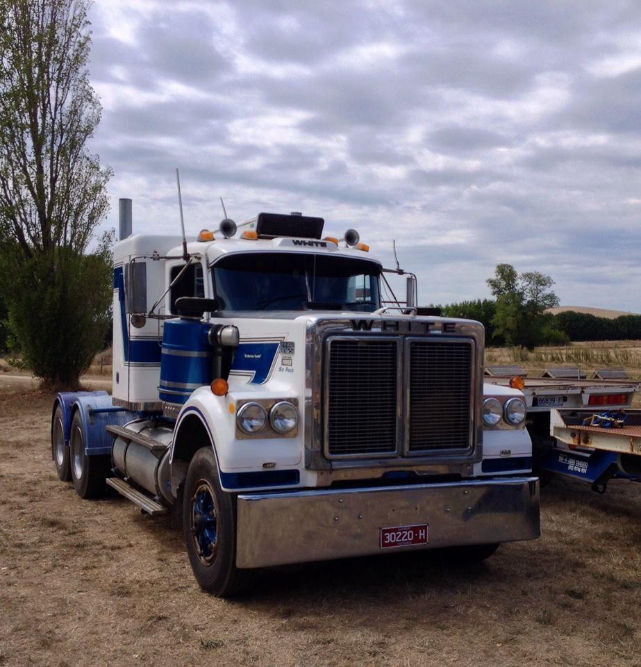 White Trucks Australia White Truck Freightliner Trucks Trucks