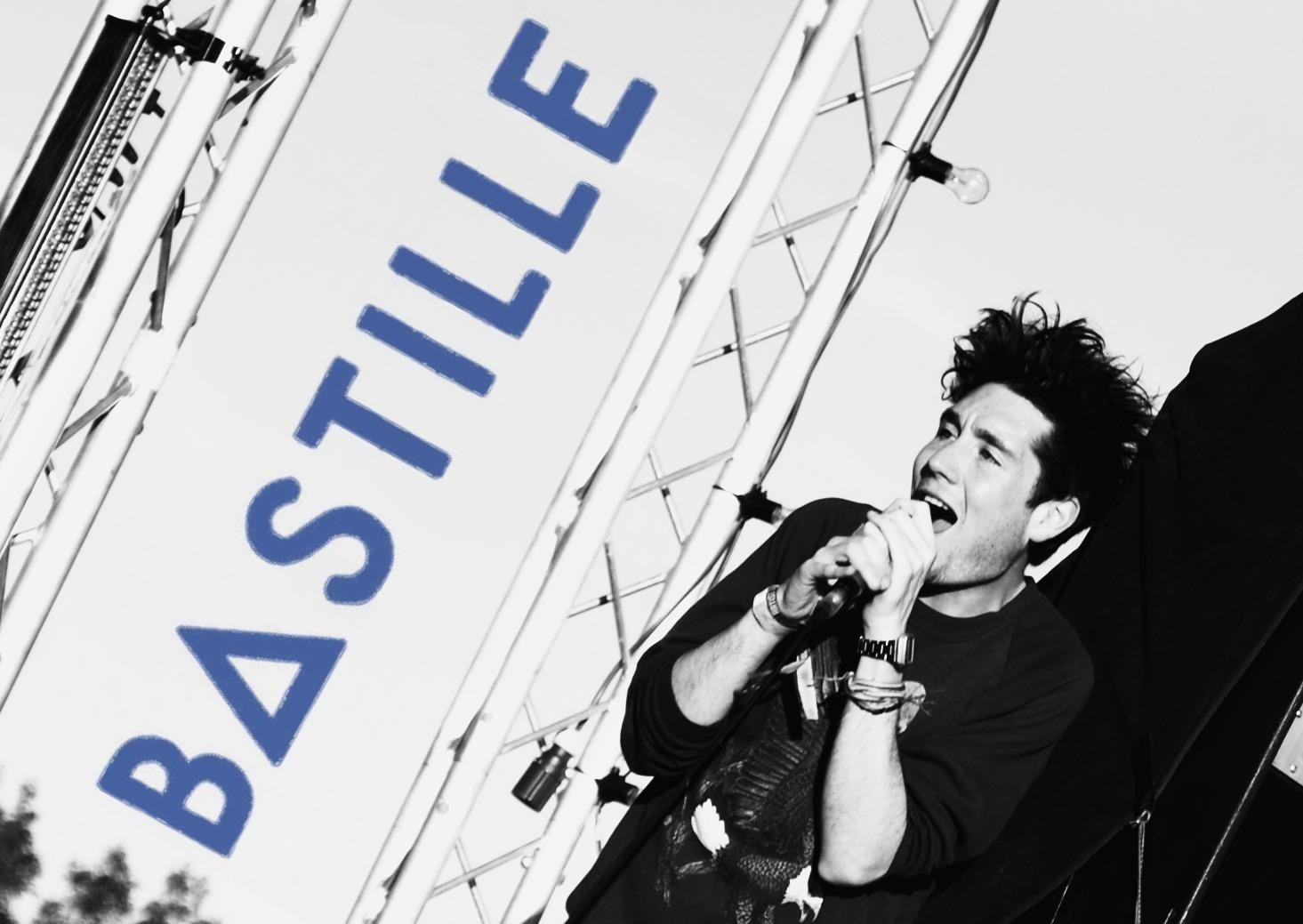 Dan Smith - Lead Singer In Bastille