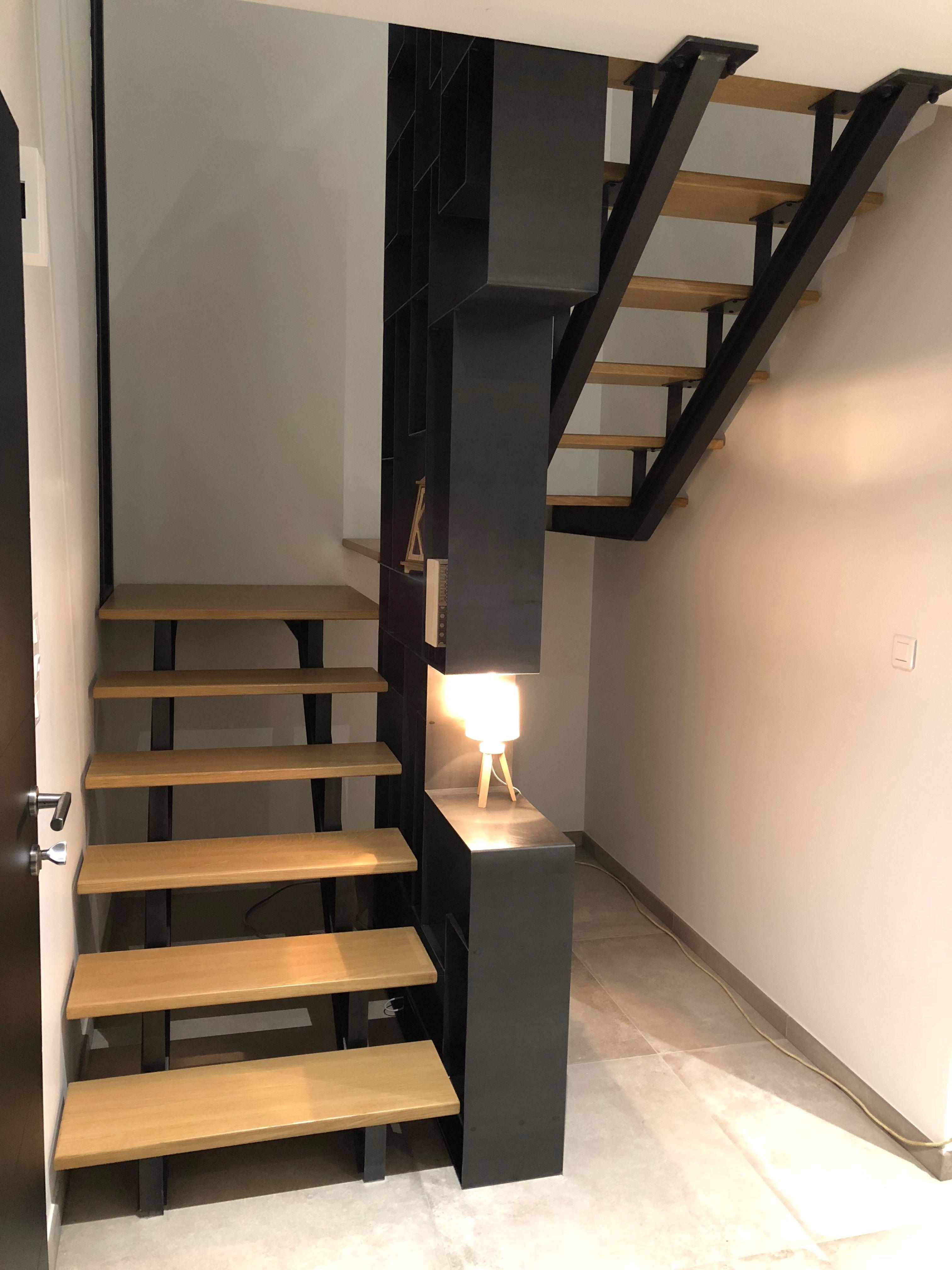 Escalier Metal Bois Bibliotheque En Acier Brut Cire Concu Fabrique