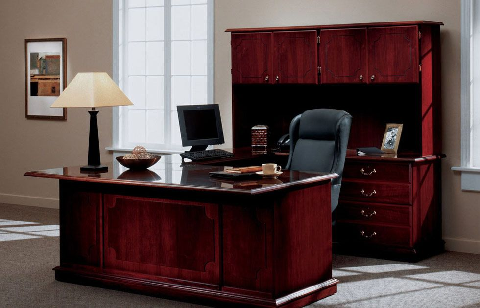 Traditional Executive Office Furniture Has Become A Trend