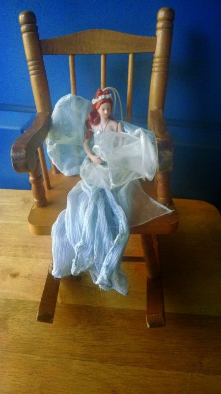 eBid Online Auction and Fixed Price Marketplace for United States  Buy and  Sell in our. Heritage mint ltd  doll collector s furniture wooded rocking chair