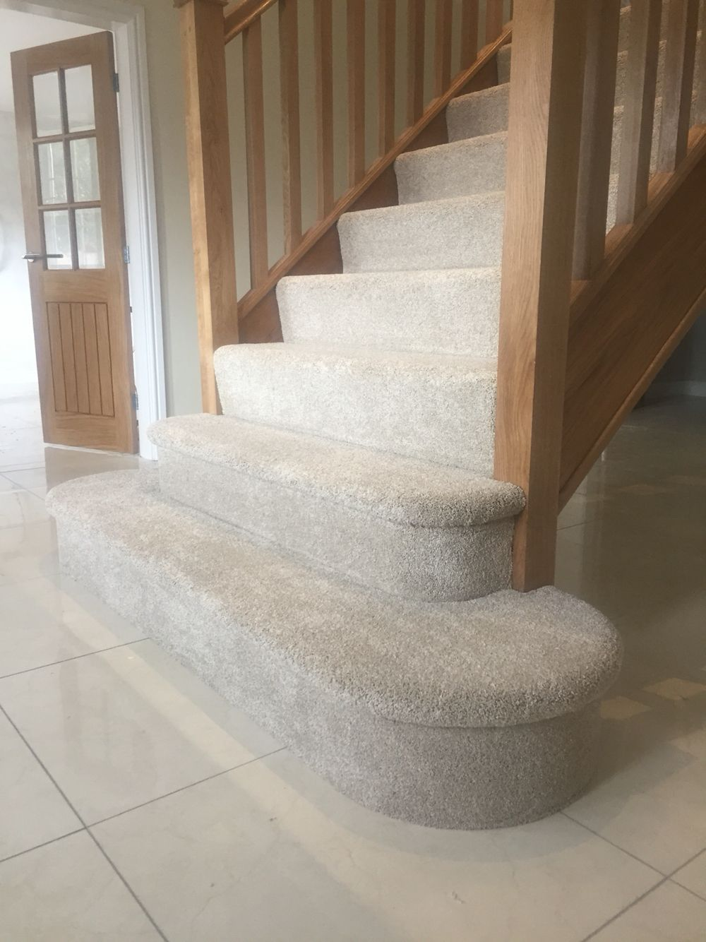 Sink Your Toes Into Lush Carpet Expertly Fitted On A Bullnose Staircase Carpet Stairs Carpet Staircase Glass Staircase