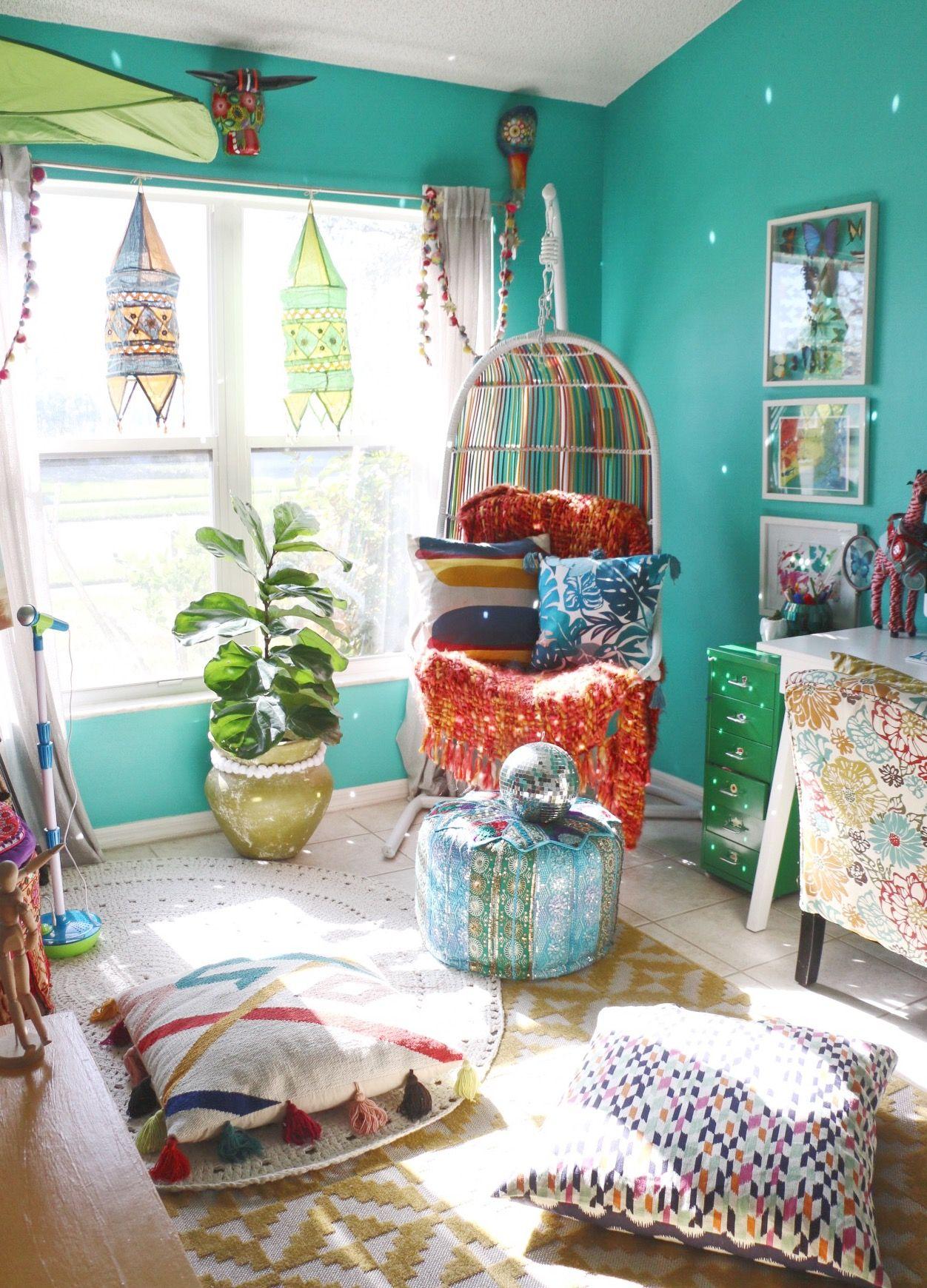 This Home May Be The Tropical Boho Bungalow Of Your Dreams Boho Bungalow Room Decor Retro Home Decor