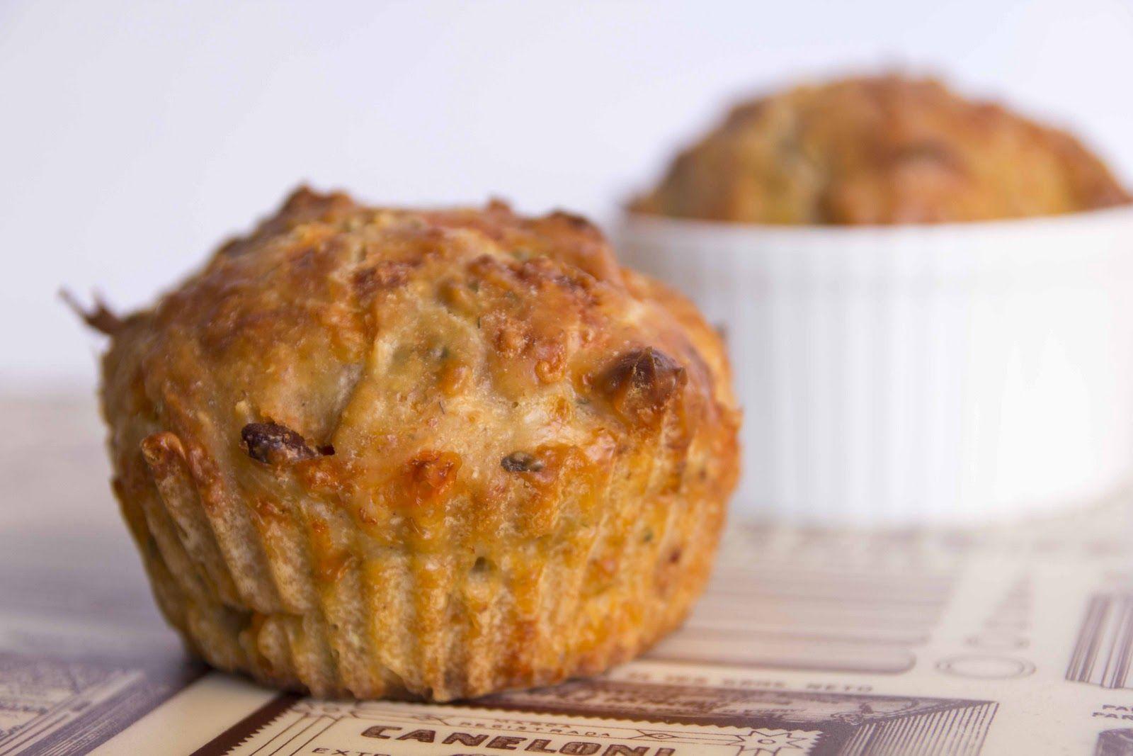 Muffins salados de queso y bacon a las finas hierbas
