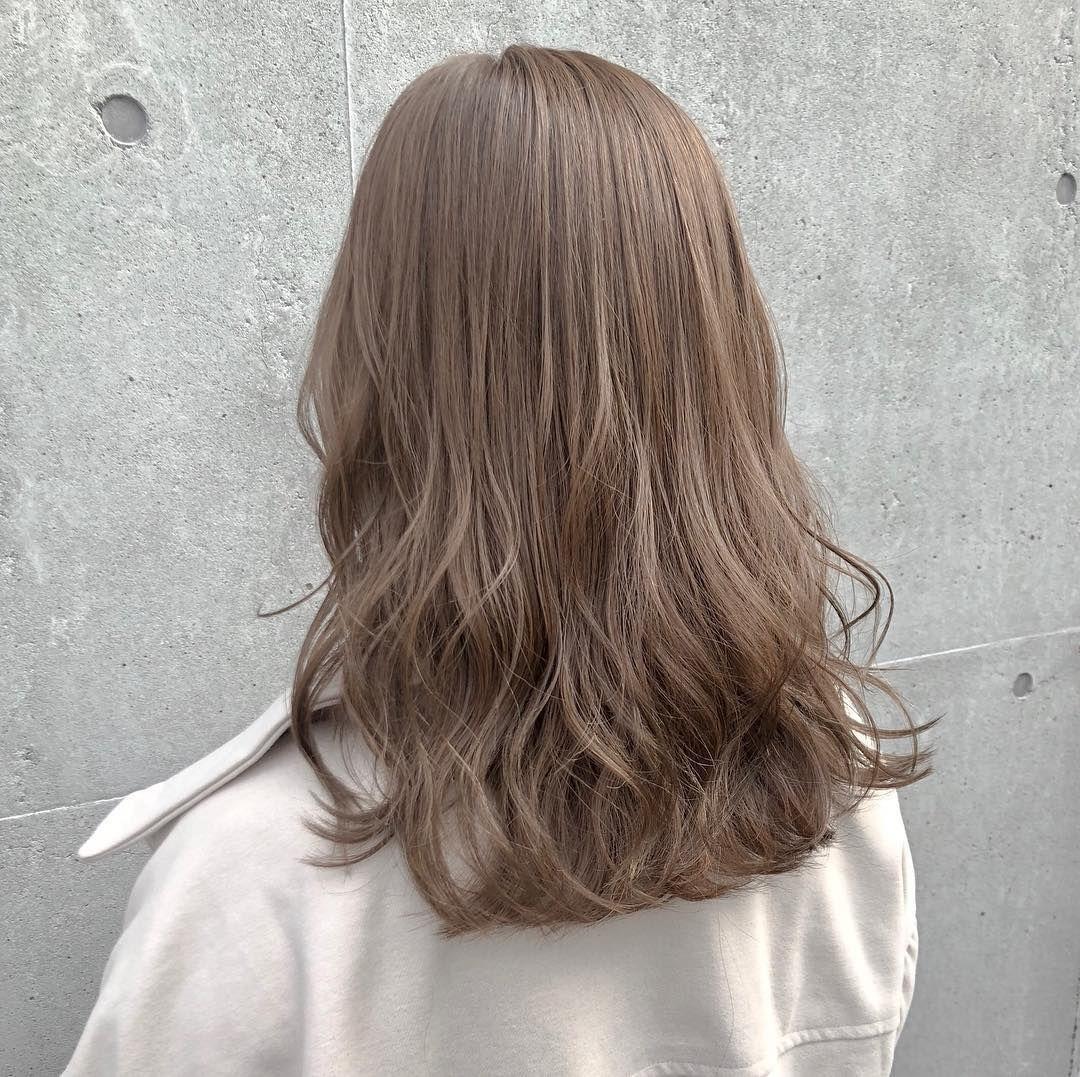 画像に含まれている可能性があるもの 1人以上 髪色 ミルクティー