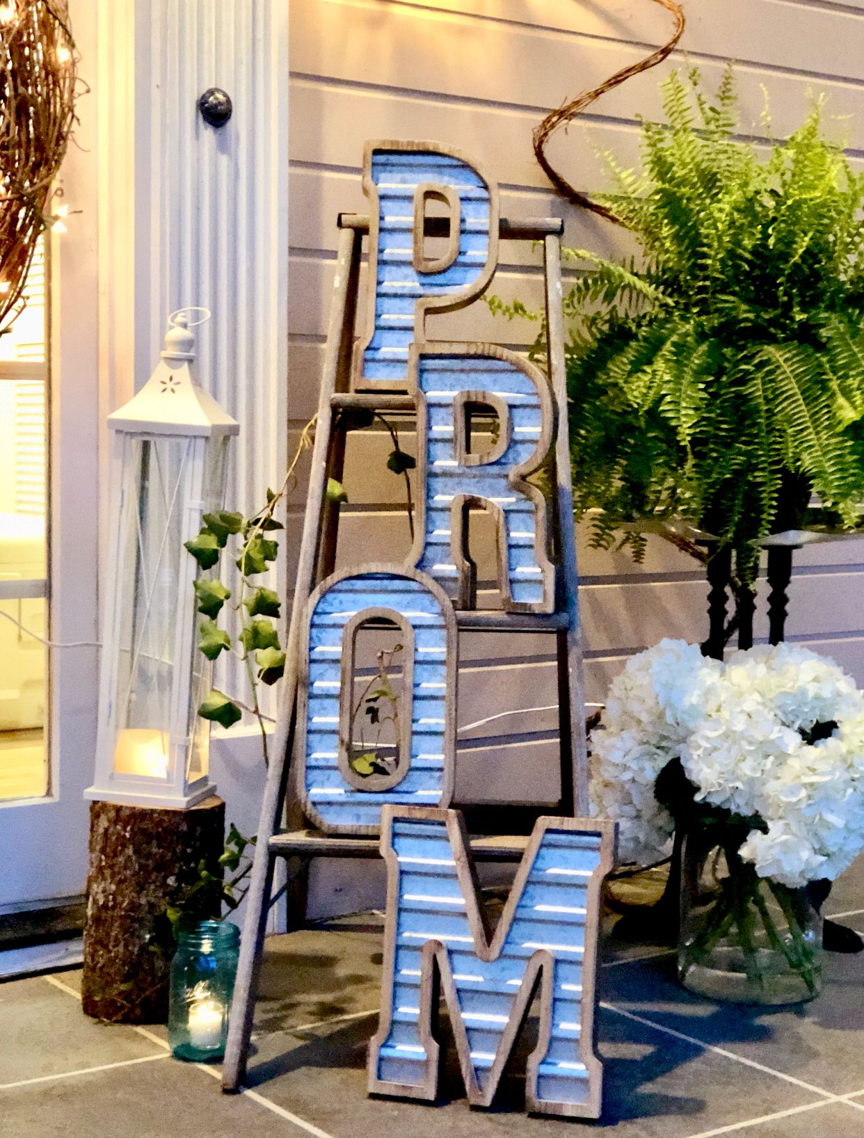 Prom Decor Rustic
