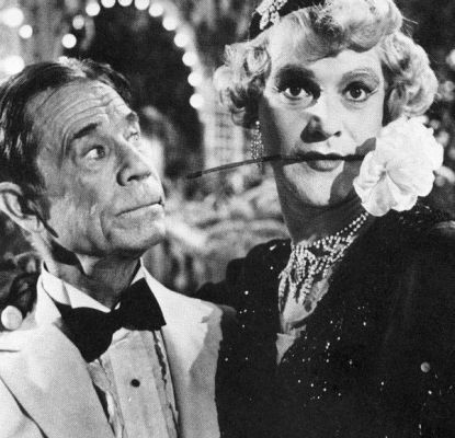 """Joe E. Brown and Jack Lemmon in """"Some Like it Hot"""" by Billy Wilder. Jack's character pretends to be a woman to avoid gangsters. Joe's character falls for 'her'."""