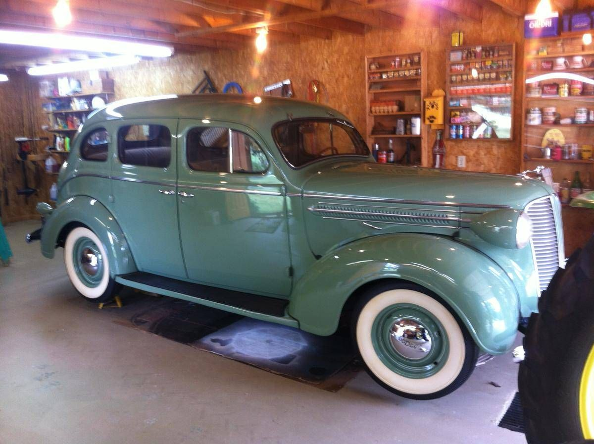 1937 Dodge D5 4 Door Sedan Cool Old Cars Classic Cars Trucks Dodge
