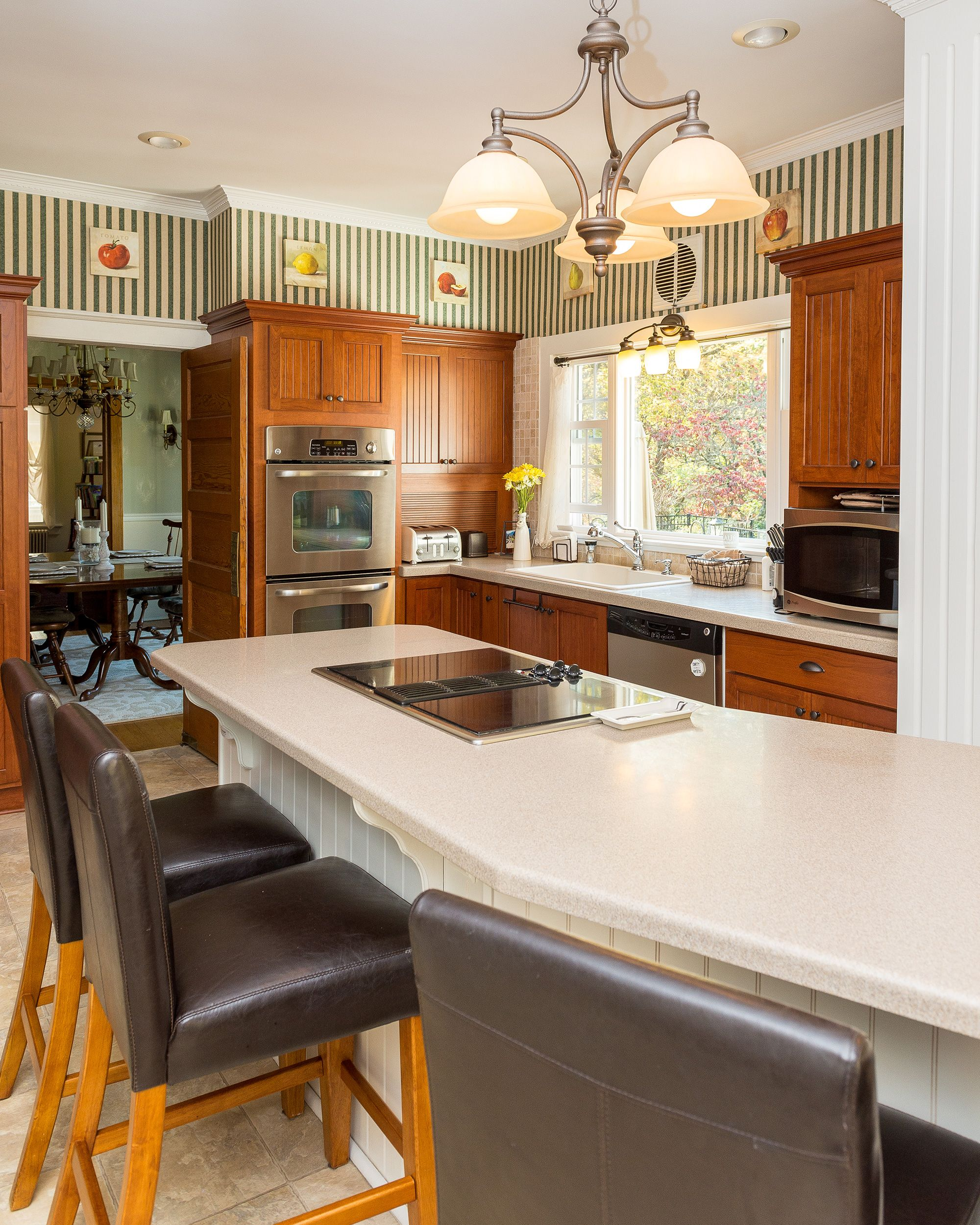 Ways To Refinish Kitchen Cabinets: Which Is Better For Cabinet Refacing: Laminate Or Wood? In