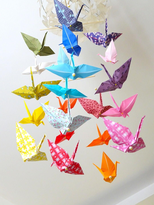 mobile en origami 20 cocottes en papier multicolores jeux peluches doudous par ma mobilette. Black Bedroom Furniture Sets. Home Design Ideas