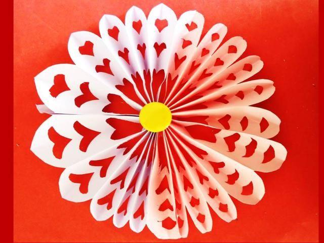 paso a paso para hacer una decorativa flor de papel