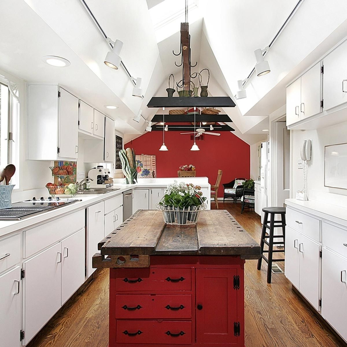 Contrast Colors Red Kitchen Walls Kitchen Cabinet Design Kitchen Inspirations