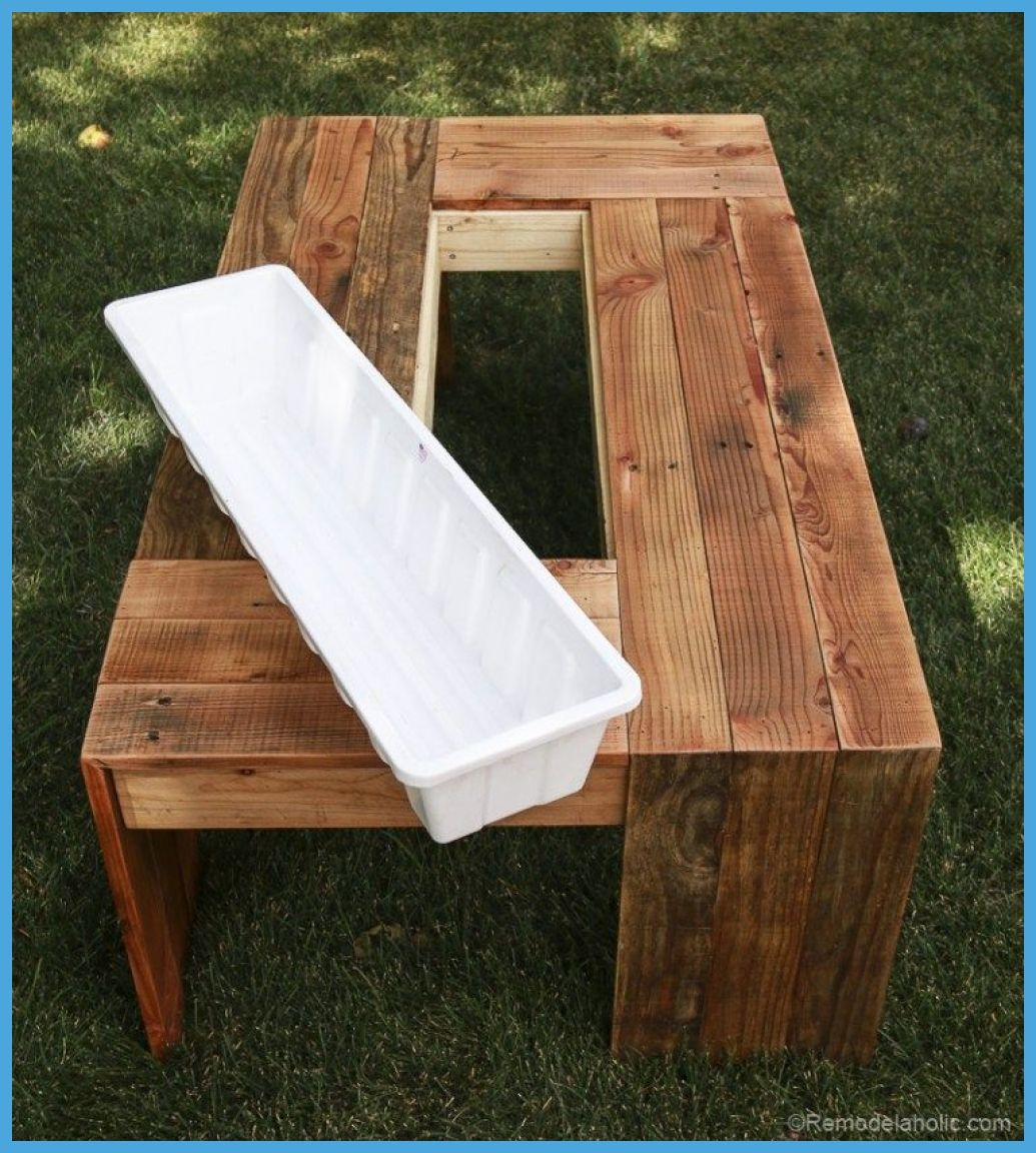 Outdoor Pallet 47047 Diy Outdoor Pallet Coffee Table With Planter Drink Trough Cooler Video Tutor In 2020 Pallet Wood Coffee Table Diy Outdoor Table Diy Coffee Table