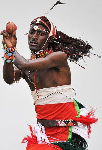 Stella's Musings: Move over IPL, here come the Maasai Cricket Warriors