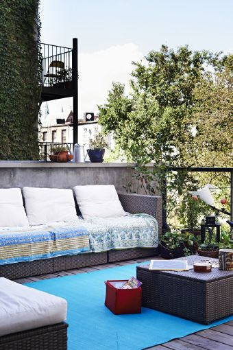 Use têxteis e acessórios para mudar o ambiente de um espaço exterior