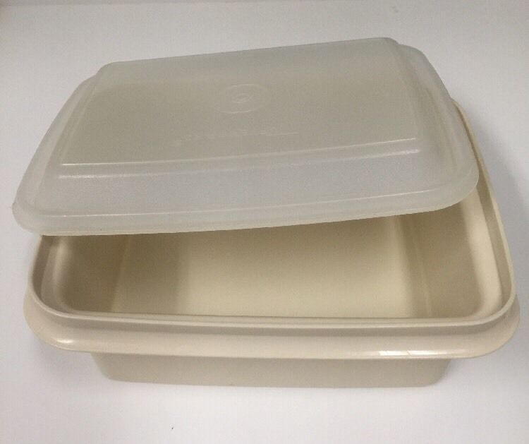 Vintage Tupperware Food Storage or Ice Cream Container with Lid