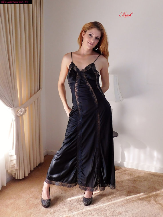 cbd222c8f3 Sexy and SLinky Long BLACK Nylon and Lace NEGLIGEE Nightgown Nightdress  Vintage 70 s 80 s Val Mode L