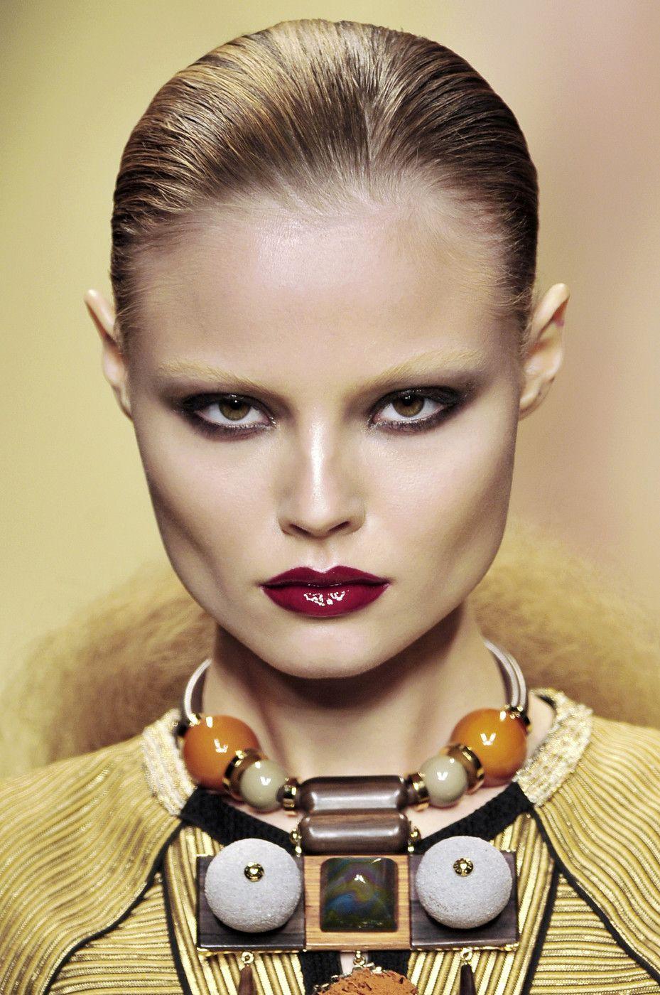 Magdalena frackowiak louis vuitton fw 2009 fashion show in paris hq runway candids nude (34 pics)