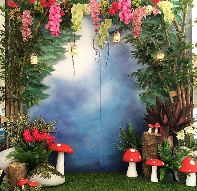 Tinkerbell theme photo booth … | Fairy birthday party ...