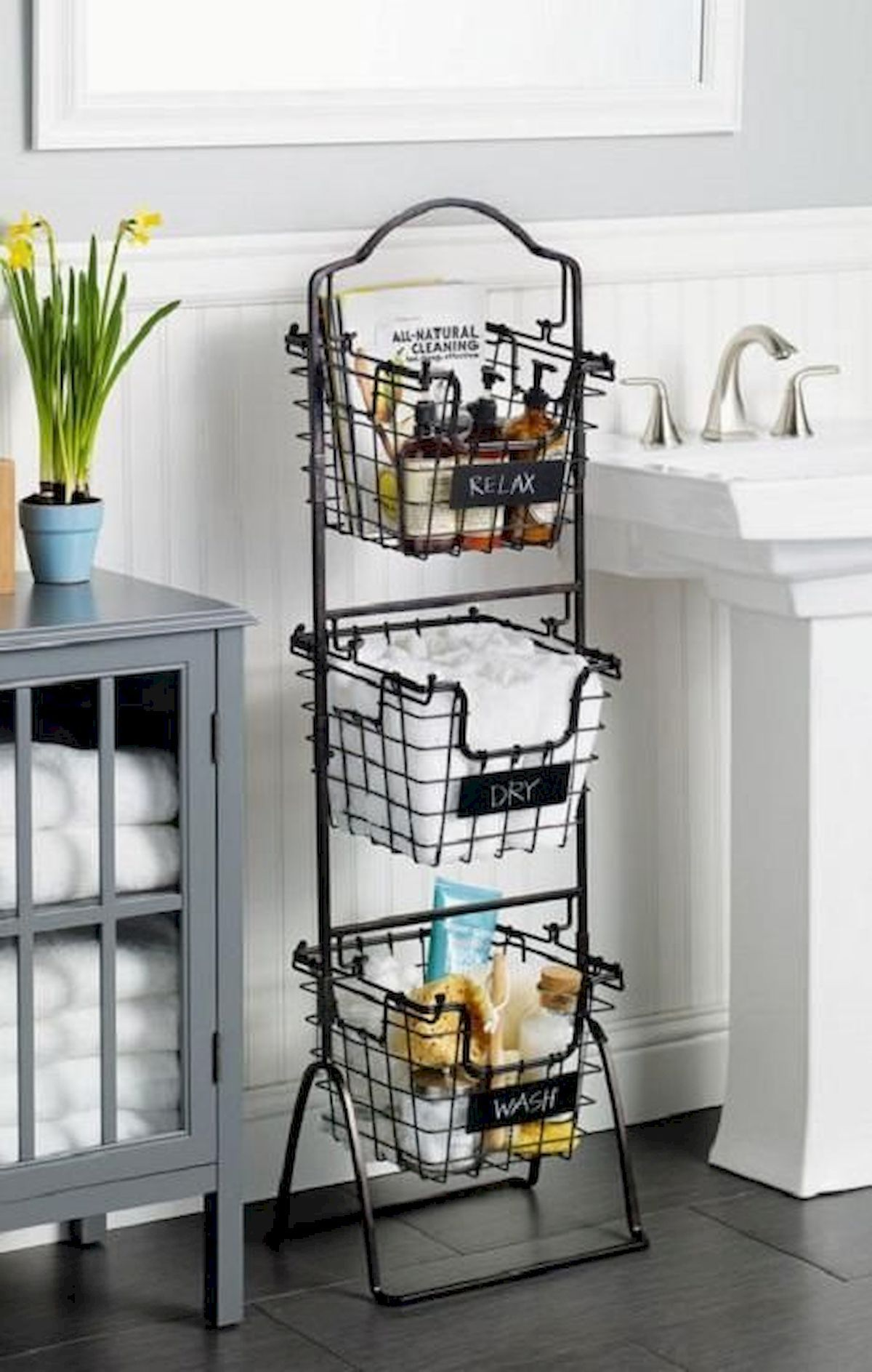 Decorating Small Open Floor Plan Living Room And Kitchen: 25 Creative Bathroom Storage Ideas For Small Spaces